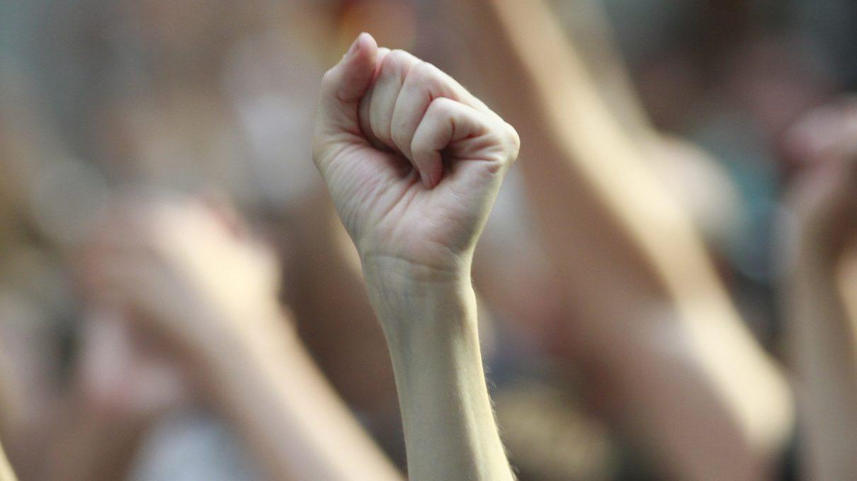 Women fist genitals
