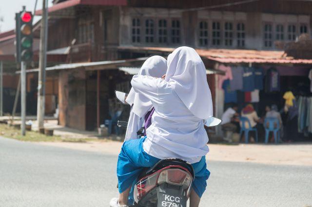 Langkawi_Malaysia_School-girls-on-a-motorbike-01